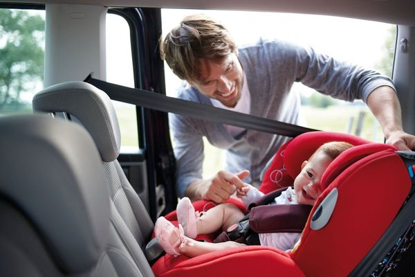 Les bonnes habitudes à adopter avec un bébé en voiture
